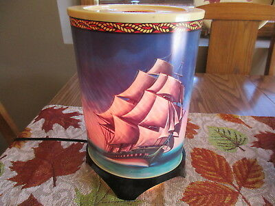 Vintage Heat Motion Lamp Ships, Old Ironsides, Mayflower, Windjammer, Very Nice