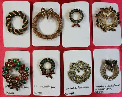 Vintage lot 8 Piece Christmas Theme Brooch Pin Lot Wreaths
