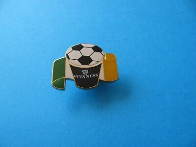 Unused VGC 1995 Irish Rugby Team Guinness Pin Badge Rugby Ball.