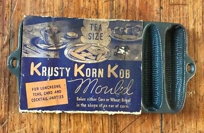 Wagner Ware Krusty Korn Kob Tea Size Baking Mold Cast Iron Cornbread Stick Pan