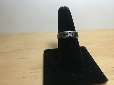 Vintage Sterling Silver Ring With A Cross Size 8 RA57