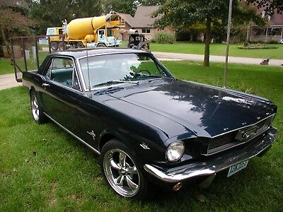 1966 Ford Mustang pony 1966 ford mustang coupe solid driver V-8 5 speed  NO RESERVE!
