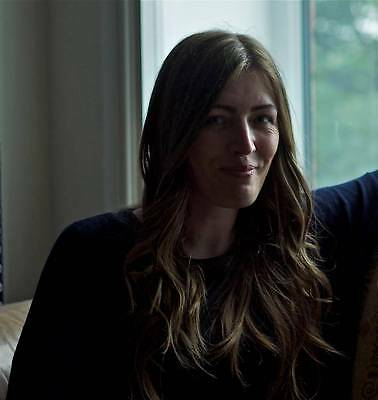 Jacqui Abbott A4 Photo 1