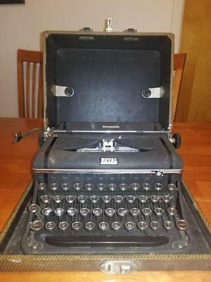 Vintage Royal Companion Typewriter With Glass Keys And Case