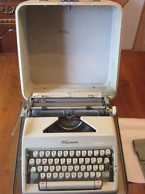 Vintage Olympia De Luxe Werke Ag Portable Typewriter W/ Case & Cleaning Brushes