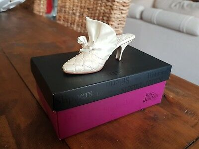 Just The Right Shoe by Raine - No 10