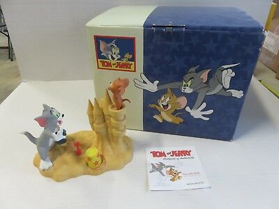"""Wedgwood Tom and Jerry """"King of the Castle"""" Statue Limited Edition UK"""