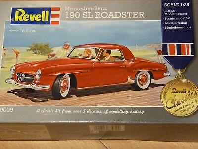 Mercedes 190 SL Roadster in 1:25 von Revell Limited edition of 5000