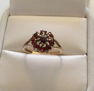 Beautiful Ladies Vintage Solid 9 Carat Gold Garnet Cluster Ring 9CT Pretty