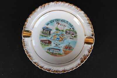 Vintage Souvenir 1964 - 1965 New York World's Fair Round Ceramic Ashtray