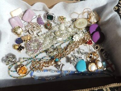 Vintage Jewelry Lot Necklaces Brooch Brooches Pins Earrings (ab977)