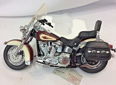 FRANKLIN MINT HARLEY DAVIDSON 1989 HERITAGE SOFTAIL CLASSIC Motorcycle W/  COA