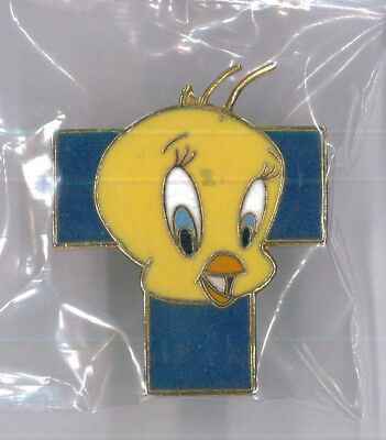 Tweety Bird Looney Tunes pin - Warner Brothers cartoon comic collector badge