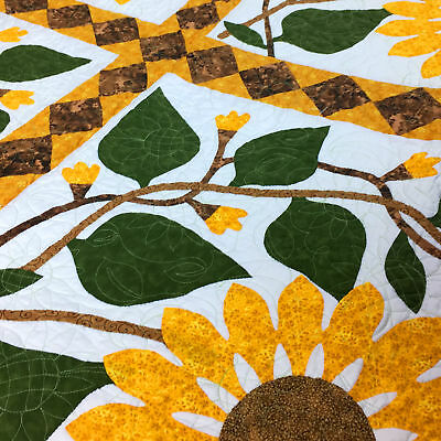 Unique Sunflower Hand Applique FINISHED QUILT - Crisp Graphic details !