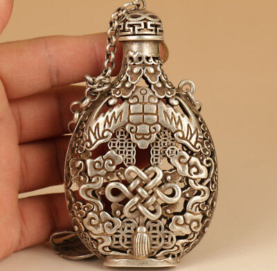 rare Chinese Old Tibet Silver Hand solid Carved Bat Statue Snuff Bottle Netsuke