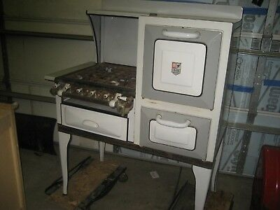 Vintage Antique A-B Battle Creek Gas Cook Stove and Oven