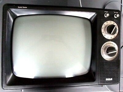 "Vintage 10"" Portable RCA TV 1970s/1980s Retro Wood Grain paneled paneling WORKS"