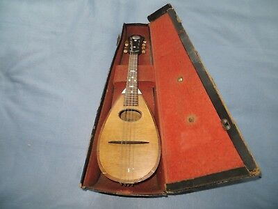 Bowl back mandolin in good playable condition in hard case