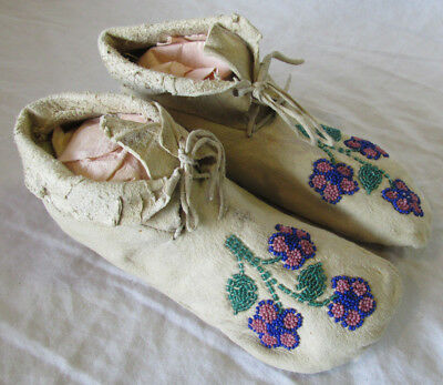 """Antique Native American Indian leather Beaded Childs MOCCASINS Old Estate 6"""""""