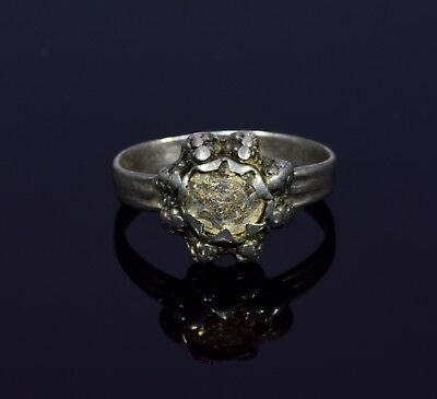 Tudor Era Silver Ring With Intricate Bezel & Stone With Iridescence - T56