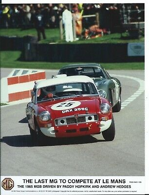 MG MGB Le Mans 1965 Paddy Hopkirk Andrew Hedges Official Photograph Foto