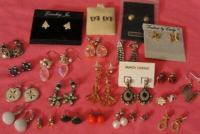 Vintage And Fashionable Lot Of 23 Pairs Of Pierced Earrings Rhinestones, Crystal