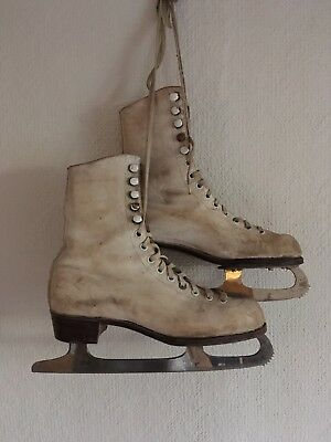 Vintage FAGAN Leather Ladies Ice Skates with blades and covers. Size 5