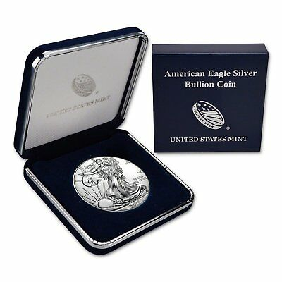 2018 Silver Eagle with Genuine US Mint Gift Box $1 Brilliant Uncirculated