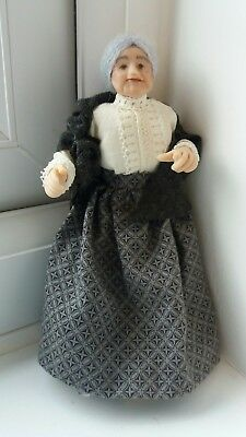 Dolls House Miniatures 1/12 Maggie Sue Older Victorian Lady Doll + Shawl