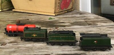 Lot Of Vintage Triang Railway Train Carriages ** Lovely Example