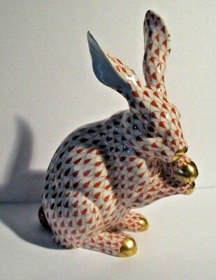 Vintage Herend Rust Fishnet Rabbit Rubbing Paws Up