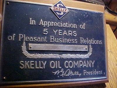 Skelly oil company service station awards 5 years gas plaque sign WOOD/METAL