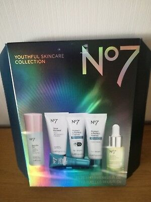 BRAND NEW Boots No7 Youthful skincare gift set IDEAL XMAS GIFT