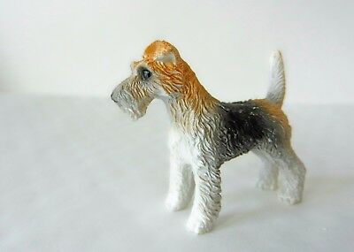 12th SCALE DOLLS HOUSE MINIATURE FOX TERRIER PET DOG RESIN ANIMAL FIGURE, NEW