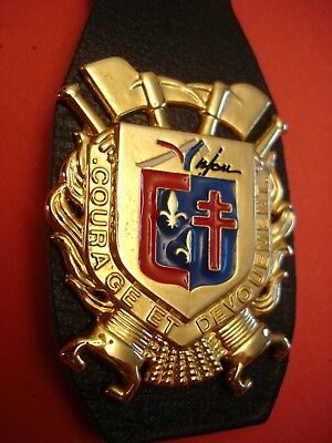Joli Ancien Rare(Obsolete) Insigne Collection Pompiers    Anjou