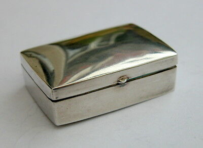 Attractive vintage solid silver pill or trinket box 1984