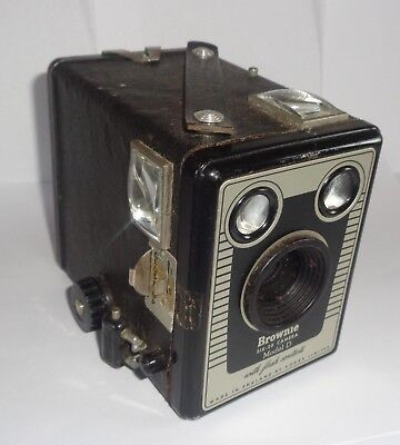 Vintage 1946-53 Kodak Brownie Six-20 Model D With Flash Contacts