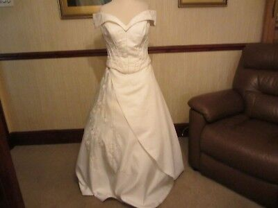 Vintage victorian style wedding gown ivory beaded satin size 14 lace up
