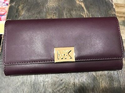 cccd226e2a88 Michael Kors Mindy Polished Leather Carryall Wallet In Damson Plum -$178