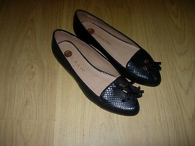 Women's Ladies Flat Shoes - River Island Flats / Pumps. Never Worn. New Size 4