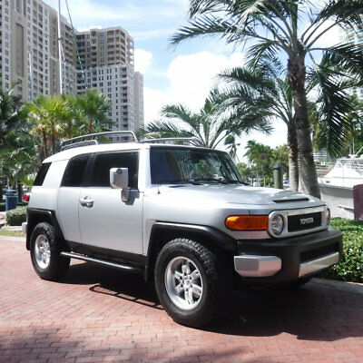2007 Toyota FJ Cruiser 2WD 4dr Automatic Florida Carfax Certified 2007 Toyota FJ Cruiser Very Low Miles Nice Extras V6