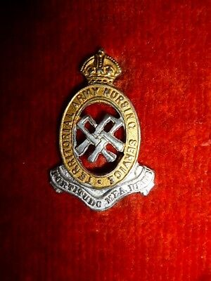 Women's - Territorial Army Nursing Service KC Collar Badge