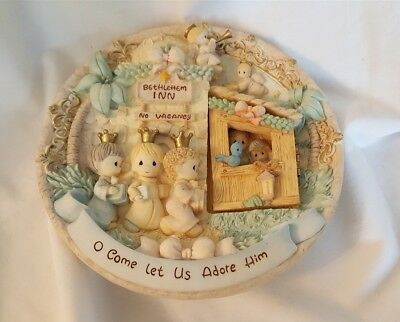 Precious Moments 1998 Collector Plate Nativity With Hinged Door O Come Let Us