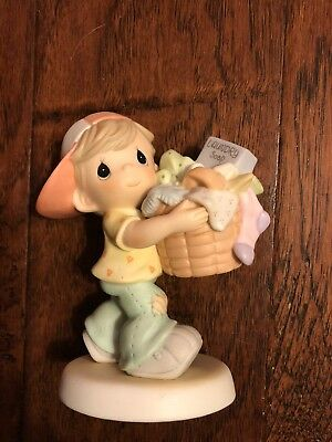 "Precious Moments Figurine--""LOADS OF LOVE FOR MY MOMMY""---#101514---2001"