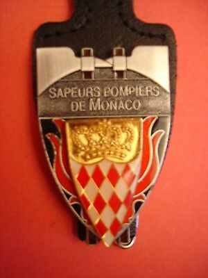 Joli Ancien Rare(Obsolete) Insigne Collection Pompiers    Monaco