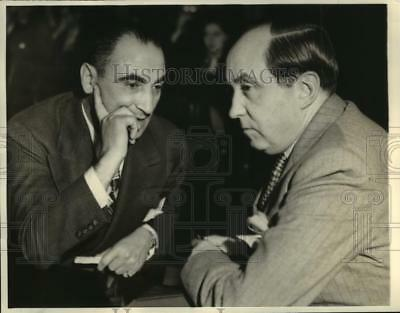 1938 Press Photo Martin Snyder and his attorney Jerry Giesler on a trial
