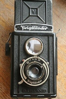 Voigtlander Brilliant Bakelite TLR  Camera UNUSUAL AGC SHUTTER