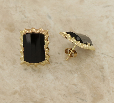 Black Onyx Stud Earrings 9ct Yellow Gold