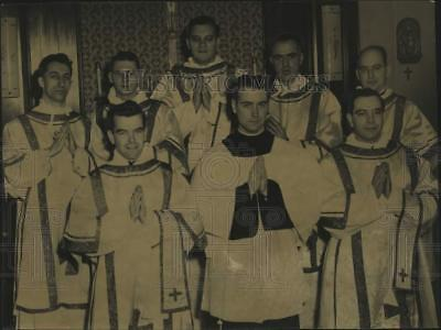 1948 Press Photo Friars pose after their Ordination Service St Anthony-on-Hudson
