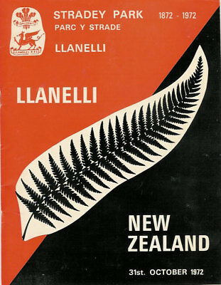 Llanelli v New Zealand All Blacks 31 Oct 1972 rugby programme 9 - 3 Scarlets win